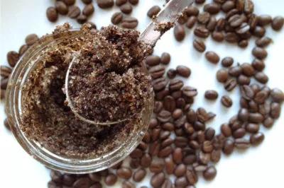 exfoliante de cafe y aceite de coco