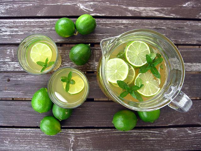 te con menta y limon