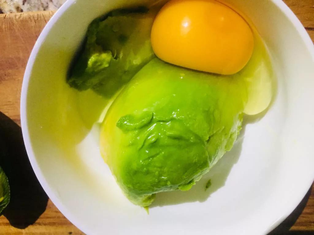 aguacate y huevo